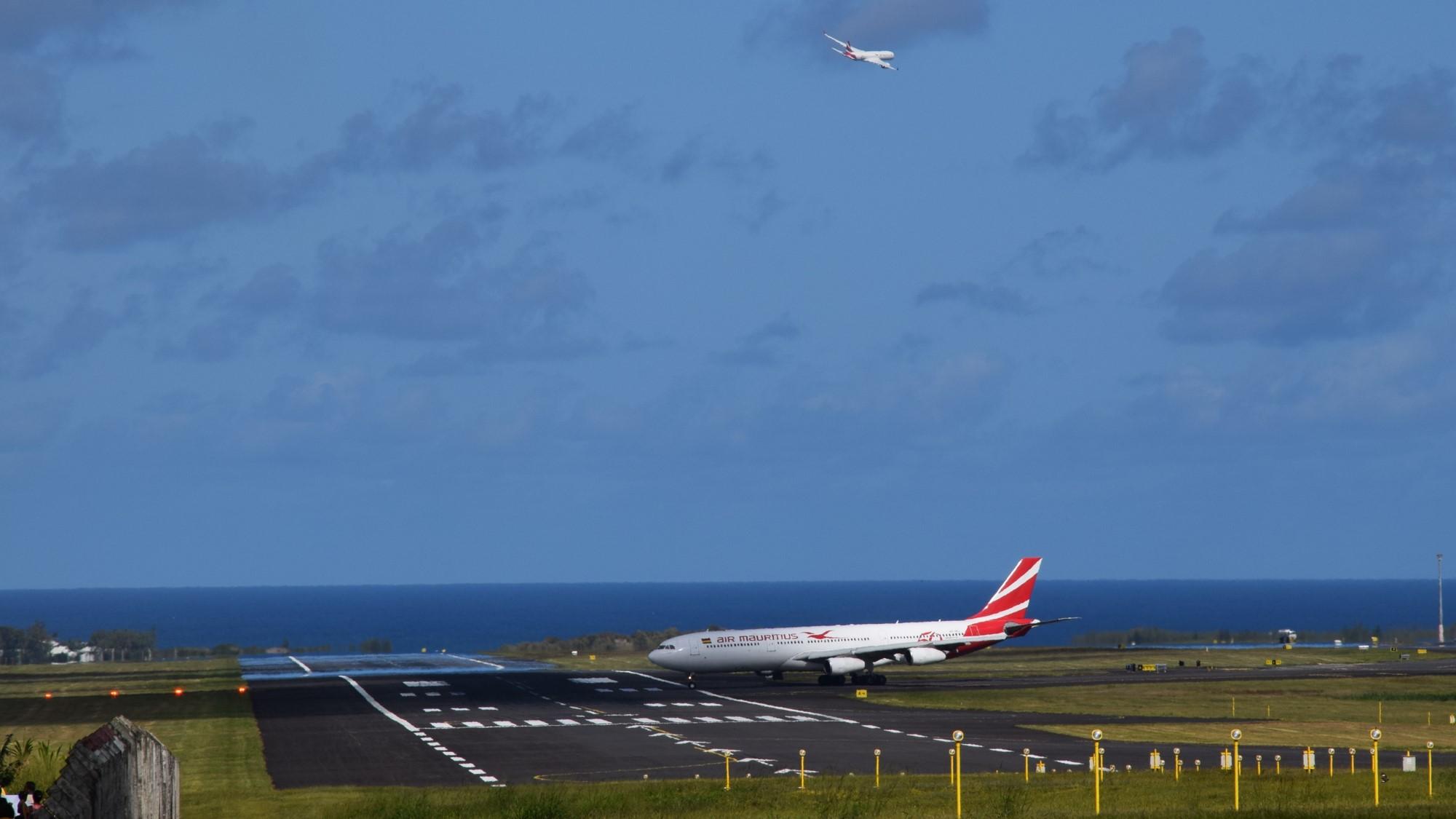 air mauritius a340 and a350
