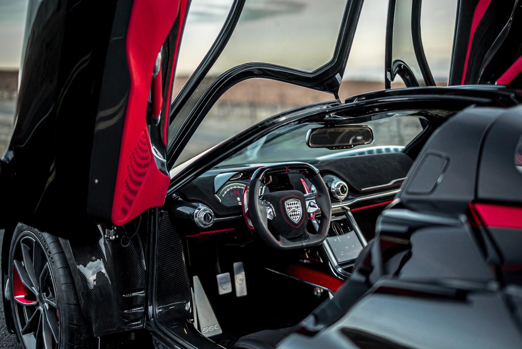 cockpit SSC Tuatara